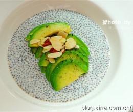 受世界推崇的健康食品很美味~5分钟早餐奇亚籽牛油果布丁