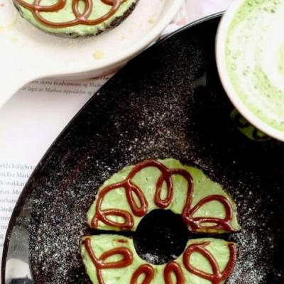 周末的小消遣【抹茶乳酪慕斯甜甜圈】(免烤)