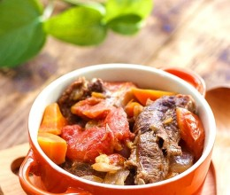 不加一滴水做出家人最爱吃的冬季暖心菜,番茄牛腩煲