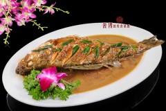 酸菜烧海鲈鱼