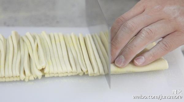 完美的肉丝炒面,从自制手擀面开始|利仁特约食谱