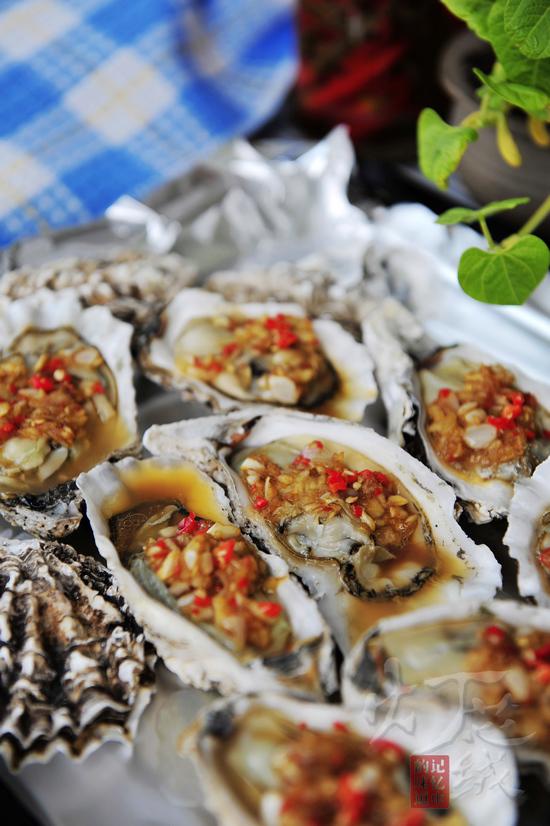 牡蛎的宴客吃法——蒜蓉烤牡蛎