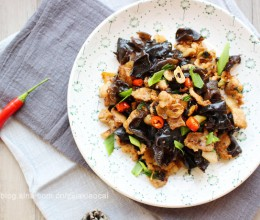 【AMMA私房菜】不吃个辣菜怎么过冬——木耳小炒肉