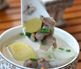 清爽滋补的羊肉萝卜汤