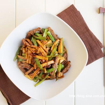 工作日也要简简单单的好好吃饭——酱汁小炒牛肉