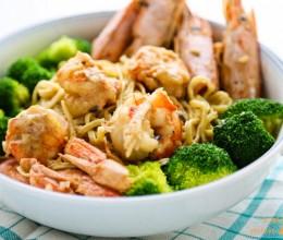 新年豪华大餐在家做----大虾焗伊面
