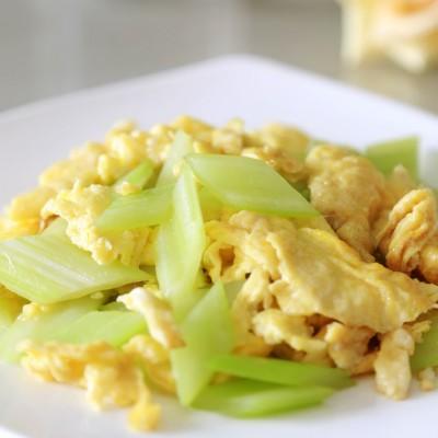 西芹炒鸡蛋