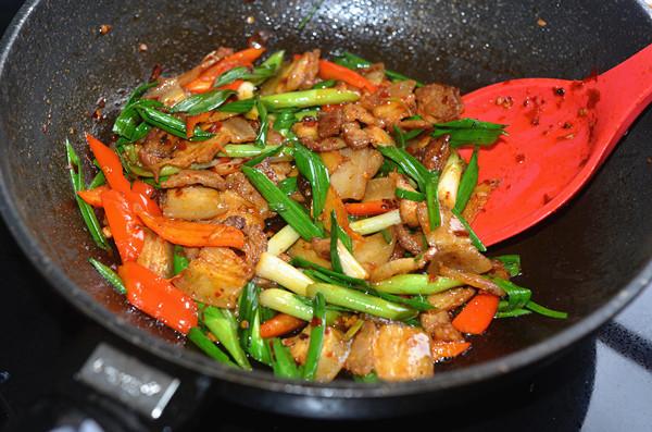 回锅肉—节日餐桌必备的下饭菜