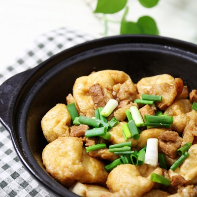 花腩豆泡(炸豆腐)煲