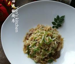 海米拌擦丝茭白--五分钟快手年菜