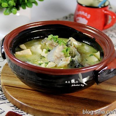 海参斑鱼豆腐汤--美容补钙靓汤