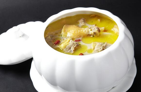 雪莲果鸡汤