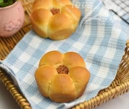 香肠花心小面包