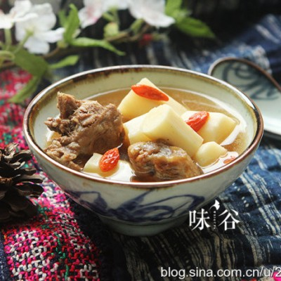罗汉果山药猪骨汤--除燥祛痰健脾