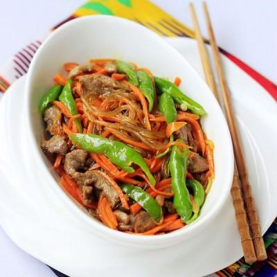 家常菜胡萝卜粉条炒羊肉