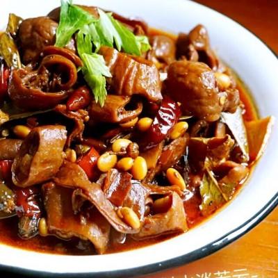 肥肠烧黄豆煲