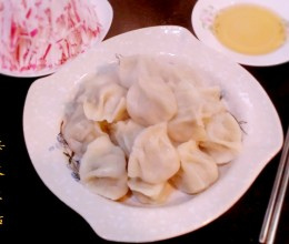 荠菜蛤蜊猪肉水饺