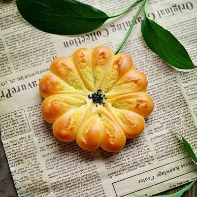 椰蓉小花面包