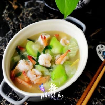 丝瓜烩虾仁-通乳美食,产妇可多吃