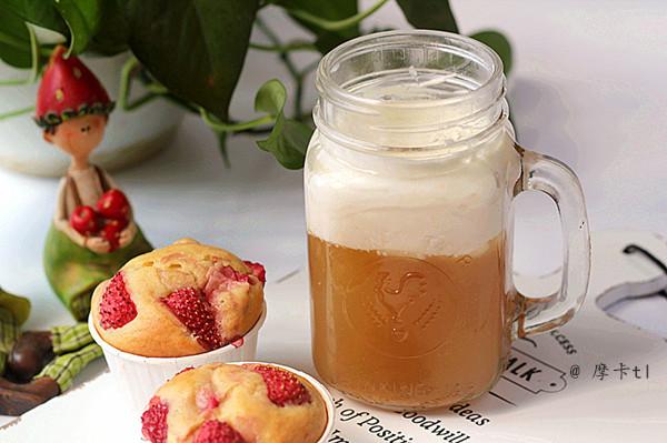 草莓马芬、岩盐芝士奶茶