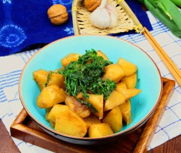 荠菜炖土豆