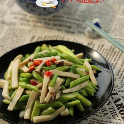 清热去火的素炒菜----芦笋炒杏鲍菇