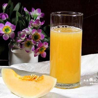 夏日必备的饮品--甜瓜雪梨汁