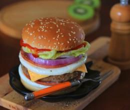 10分钟能量早餐-黑椒猪柳火腿双蛋芝士堡