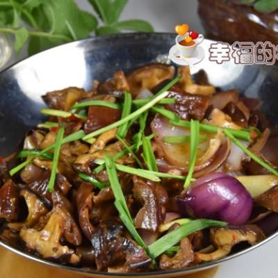 脆爽无异味的锅仔香菇烩腊猪肚