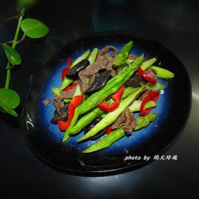 鲜嫩香滑【芦笋炒牛肉】