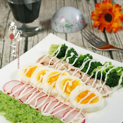 一盘沙拉就饱了--西兰花鸡蛋金枪鱼沙拉