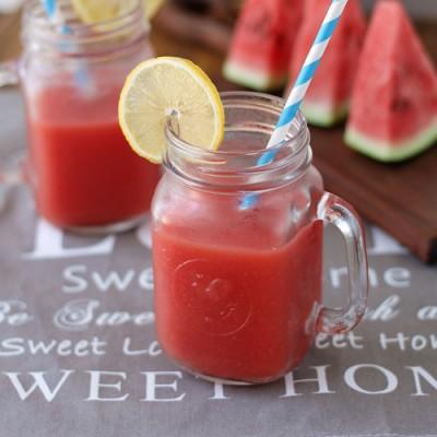 《鲜榨冰镇西瓜汁》