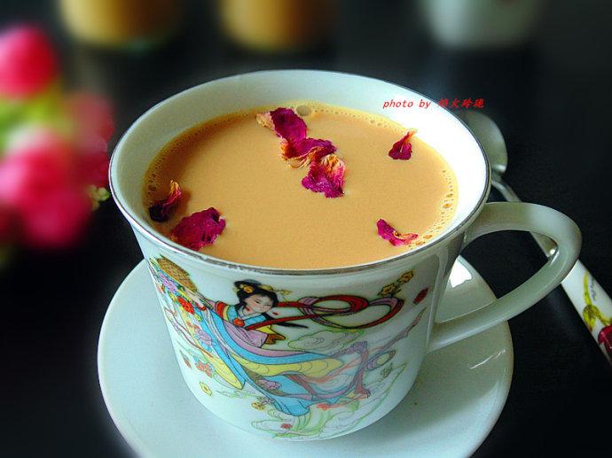 玫瑰花冠奶茶