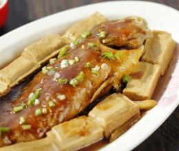 """营养味美的""""黄鱼焖豆腐"""""""