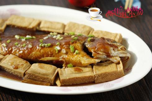 黄鱼焖豆腐