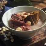 赤小豆莲蓬猪骨汤