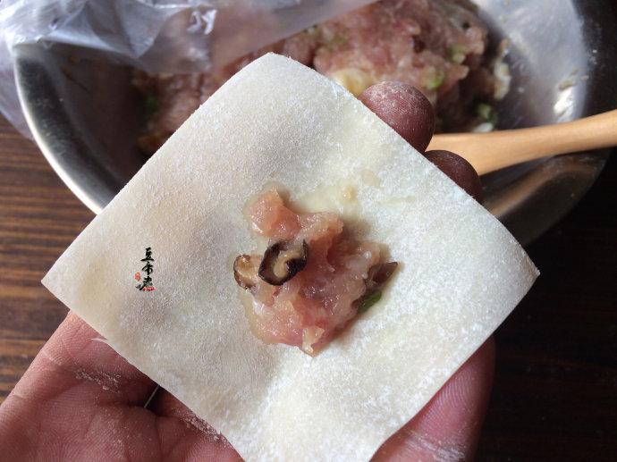 沙县小吃-香菇肉馅馄饨