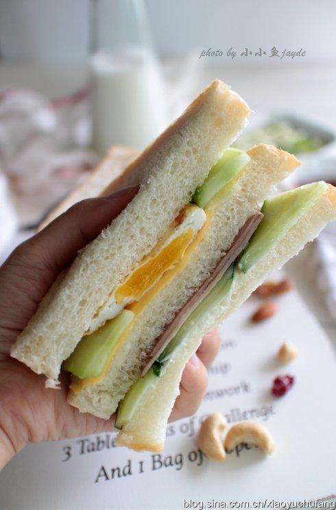 十分钟营养早餐-鸡蛋火腿三明治
