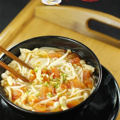 番茄海鲜菇肉片米粉