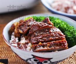 压力电饭煲食谱-红米饭配蜜汁叉烧