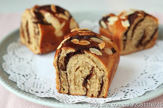 咖啡巧克坚果面包