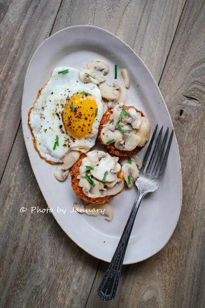 烩蘑菇佐薯饼