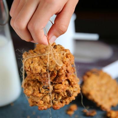 #趣味美食家#燕麦葡萄干饼干--营养满满的一块饼干
