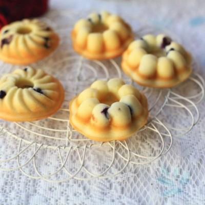 蓝莓南瓜形小蛋糕