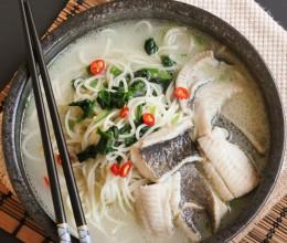 菠菜鲽鱼面