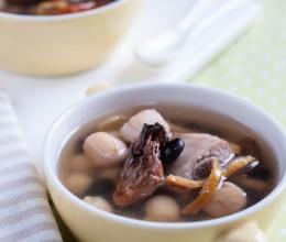 干贝蚝豉排骨汤