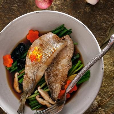 香菇木耳蒸鲈鱼