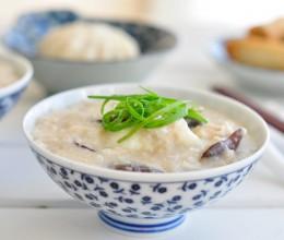 燕麦香菇鸡丁窝蛋粥