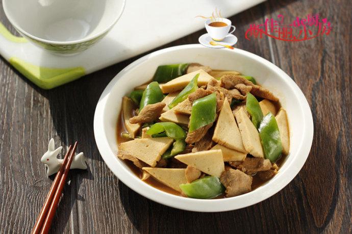 秋季滋补养生食谱-青椒鸭脯肉千叶豆腐