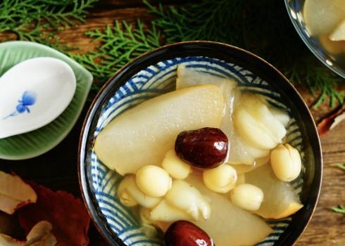 红枣百合莲子蒸雪梨